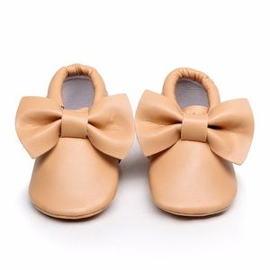 Other - New Tan bow soft sole baby moccasins
